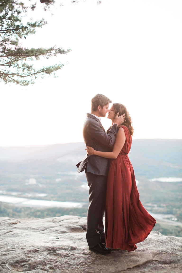 7989078a109 What to Wear for your Engagement Session  Advice from a Wedding ...